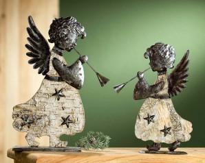 Engel mit Horn, Rindendekor, ca. 34cm hoch