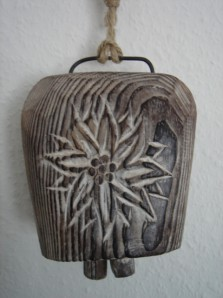 """Glocke """"Edelweiß"""" aus Holz zum Aufhängen"""